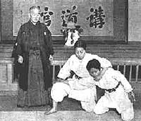 Photo from Judo (Jujutsu) by Jigoro Kano, Japanese Tourist Bureau.